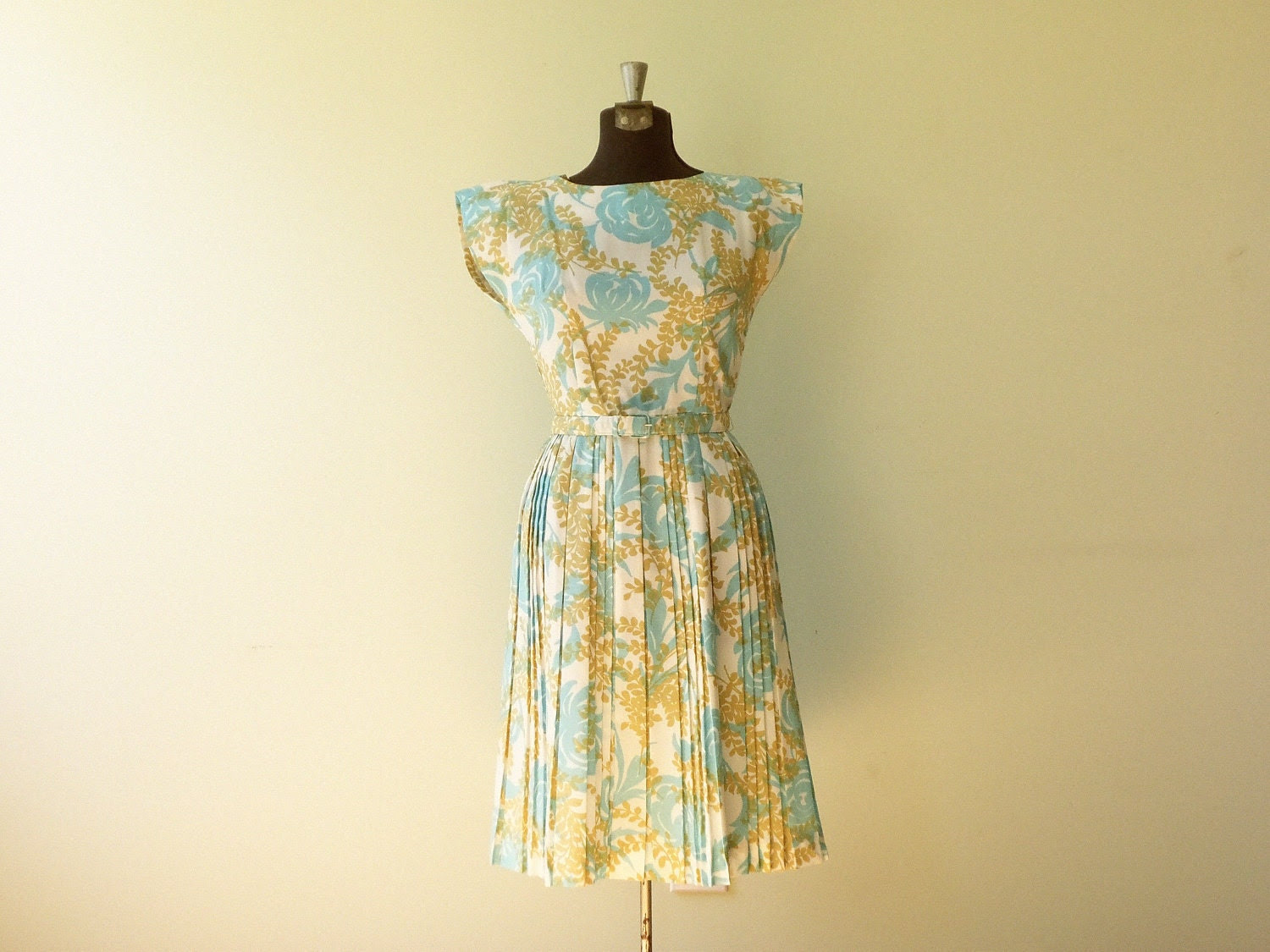 Vintage 1950s Dress / Vintage Small Dress /  Vintage Easter Dress