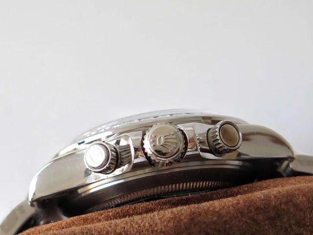 Replica Rolex Daytona Chronograph Buttons