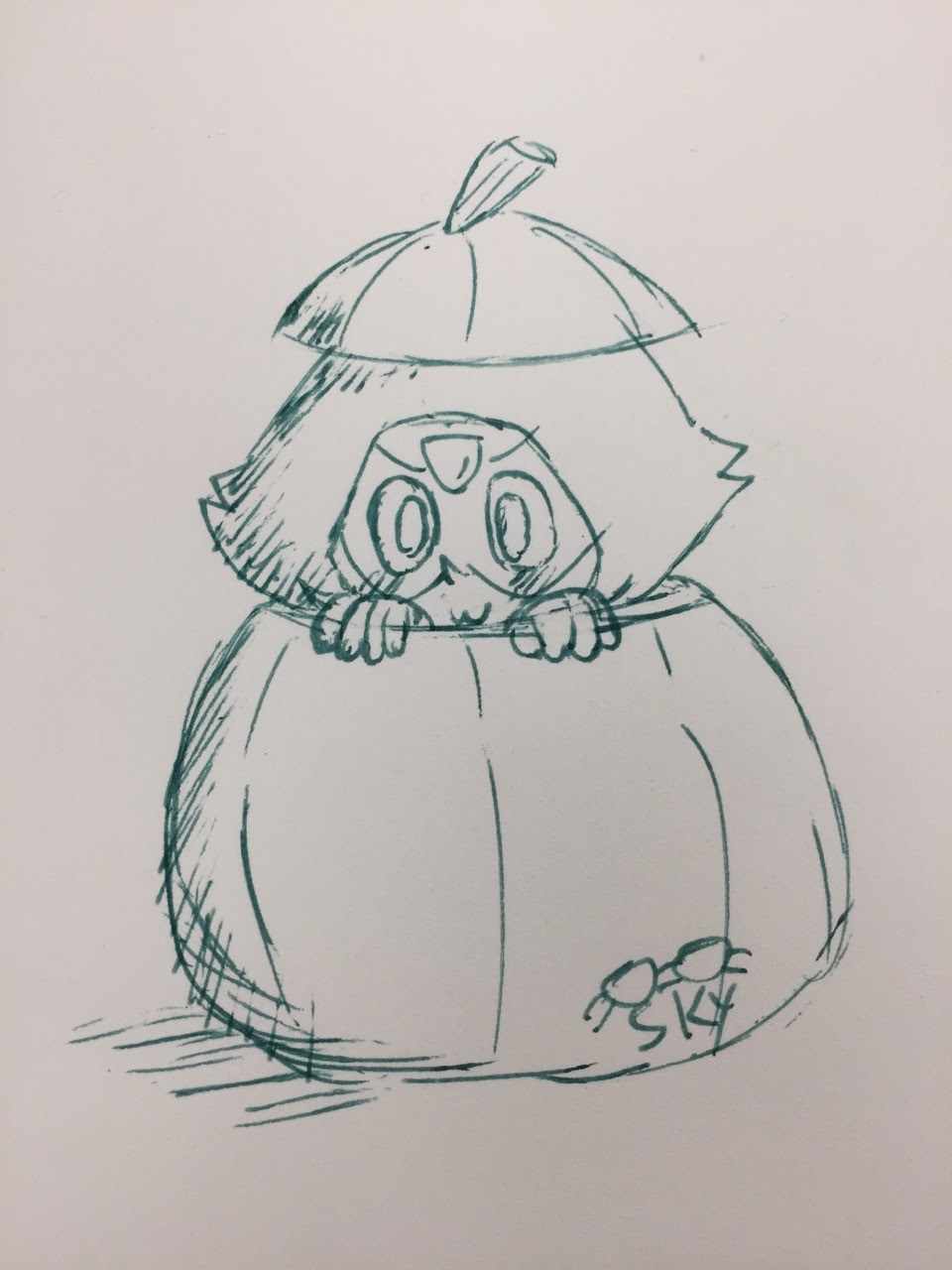 Inktober Day 4 cause I need to catch up lol. Peridot in a pumpkin suggested by a friend.