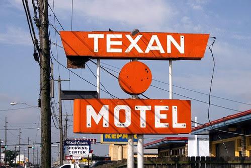 texan motel neon sign