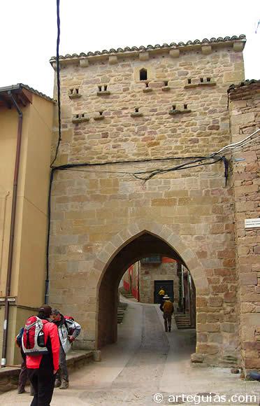 Arco de la muralla de Cirauqui