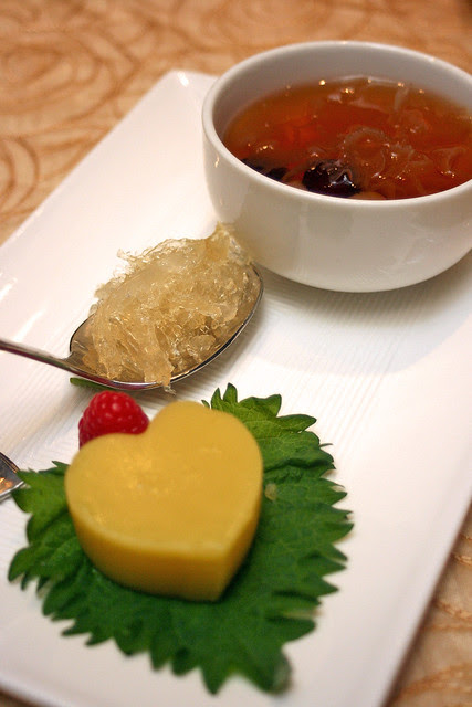 Dessert combination: Chilled Pea Cake and Teochew Sweetened Soup with Bird's Nest