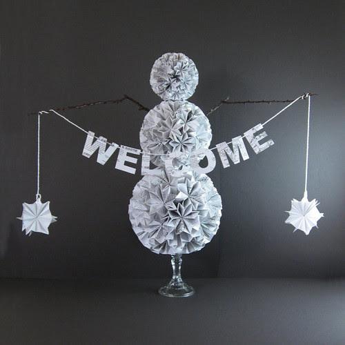 folded-paper-snowman