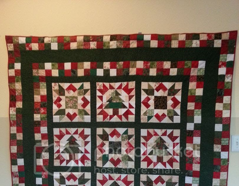 Cozy Christmas Quilt Finished