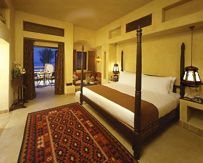 http://www.destination360.com/middle-east/united-arab-emirates/images/s/dubai-luxury-hotels.jpg