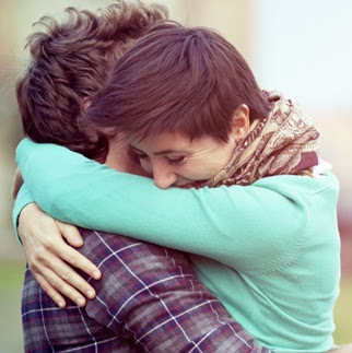 hugging-couple-dp-for-whatsapp-facebook