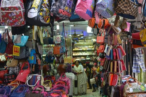 Forget Sarojini Nagar, Try These Top 8 Markets For Street