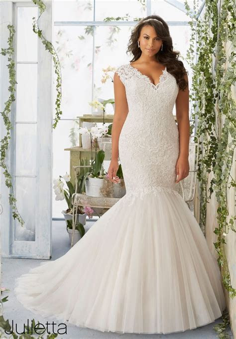 Top 25 ideas about Plus Size Wedding Dresses on Pinterest