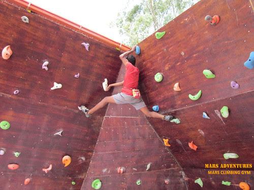 Mars_Climbing_Gym_Bouldering_3