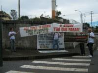 """Evangélicos que protestaram contra o Congresso Diante do Trono afirmam que a Igreja Batista da Lagoinha """"virou refugio para a comunidade gay"""". Leia na íntegra"""