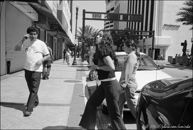 Street scene at NW 1st Street by the Government Center in Downtown Miami, Florida, USA, 2008. Street Photography of Miami, San Francisco and Key West by Emir Shabashvili, see http://street-foto.com, http://miamistreetphoto.com, http://miamistreetphotography.com or http://miamistreetphotographer.com