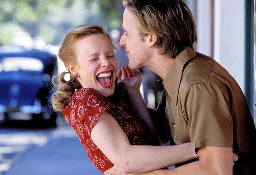 """""""Tê-la nos meus braços era mais natural para mim do que batidas do meu próprio coração.""""  - Diário de uma paixão"""