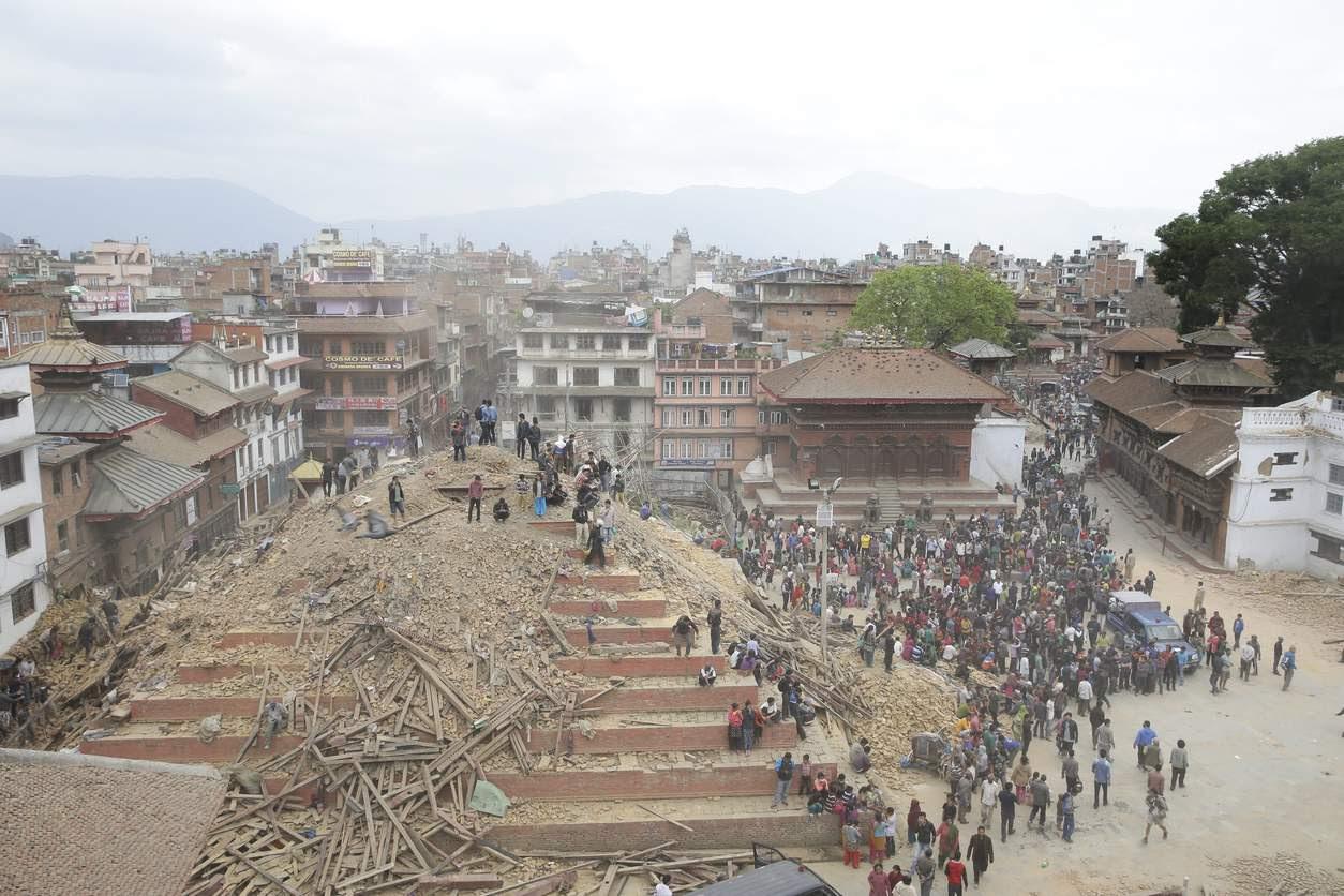Avant: Maju Deval, Katmandou