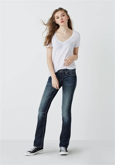 Juniors? Jeans Trend: Your Favorite Jeans ? NAWO