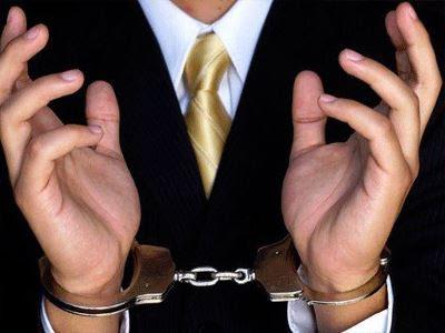 Συνελήφθησαν δύο καταστηματάρχες για φορολογικές παραβάσεις
