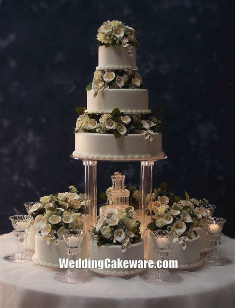 Wedding Cakes with Fountains   Wedding Cake Stands