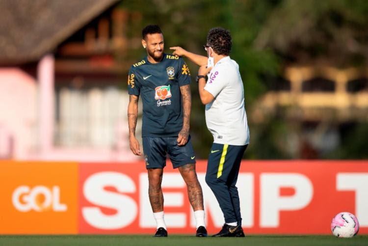 O atacante do PSG deixou o treino de quarta-feira no Rio de Janeiro devido a dores na região lombar | Foto: Lucas Figueiredo | CBF - Foto: Lucas Figueiredo | CBF