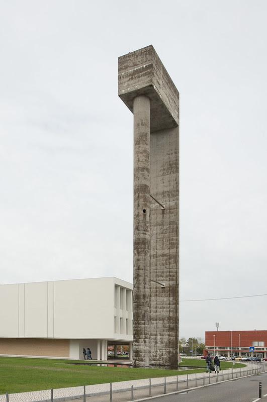 Campus da Universidade de Aveiro, depósito de água. Álvaro Siza