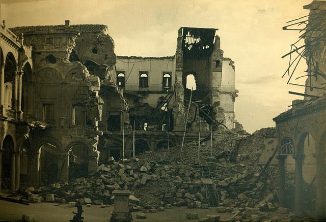 Alcázar de Toledo destruido en la Guerra Civil. Fotografía de Pelayo Mas Castañeda. Causa de los mártires de la persecución religiosa en Toledo