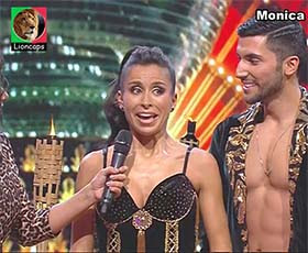 Monica Jardim sensual no Dança com as estrelas