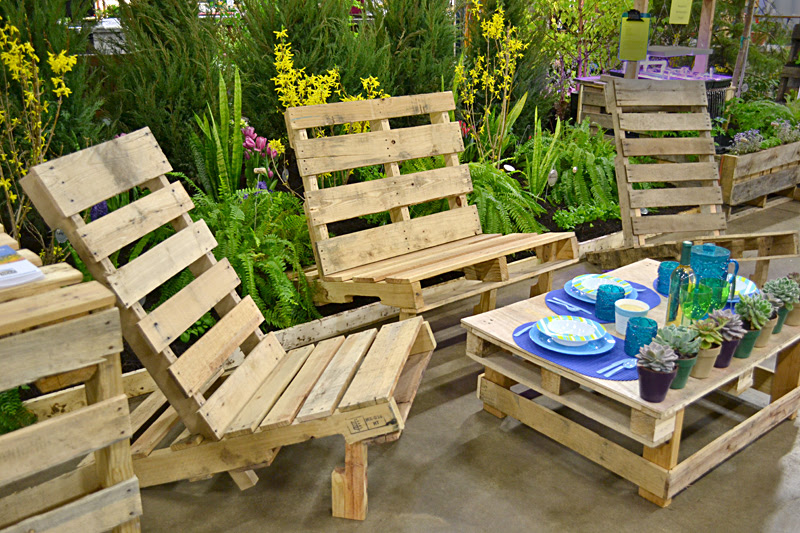 Use trash to make vertical garden, plant tags– even furniture ...