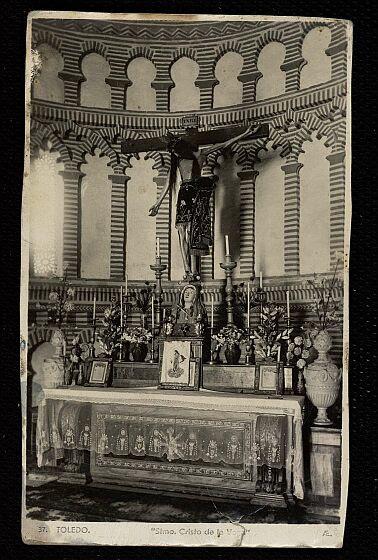 Cristo de la Vega (Antigua Basílica de Santa Leocadia) a principios de siglo.Foto F.M. 1935
