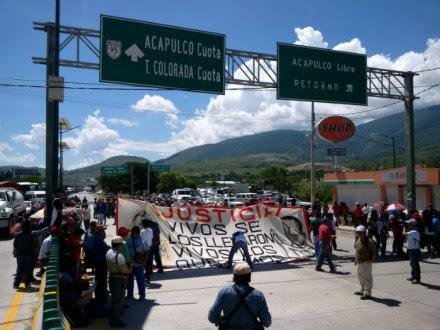 El bloqueo en la autopista Del Sol. Foto: Ezequiel Flores.