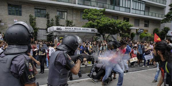Image result for repressão são paulo protesto