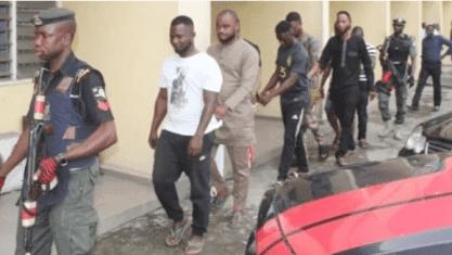 EFCC nab eight(8) Internet fraudsters in Lagos (Photos)