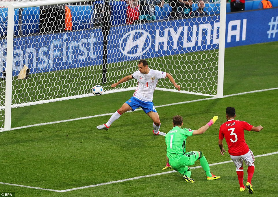 The  full back (No 3) struck past Russia goalkeeperIgor Akinfeev after theCSKA Moscow skipper saved his first effort