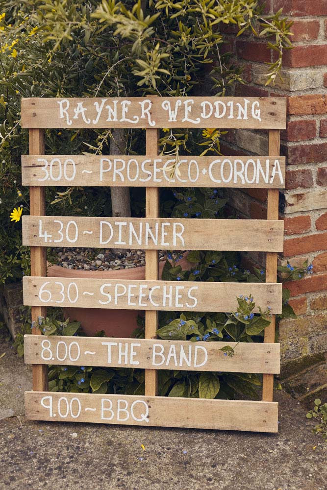 Wedding Timetable on rustic woooden pallet - www.helloromance.co.uk