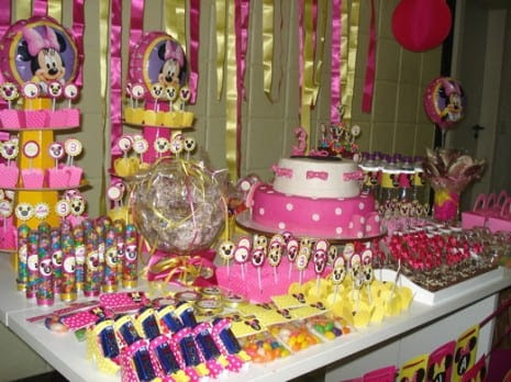 Birthday Party Favors on Trends  Minnie Mouse Parties On Catch My Party   Catch My Party