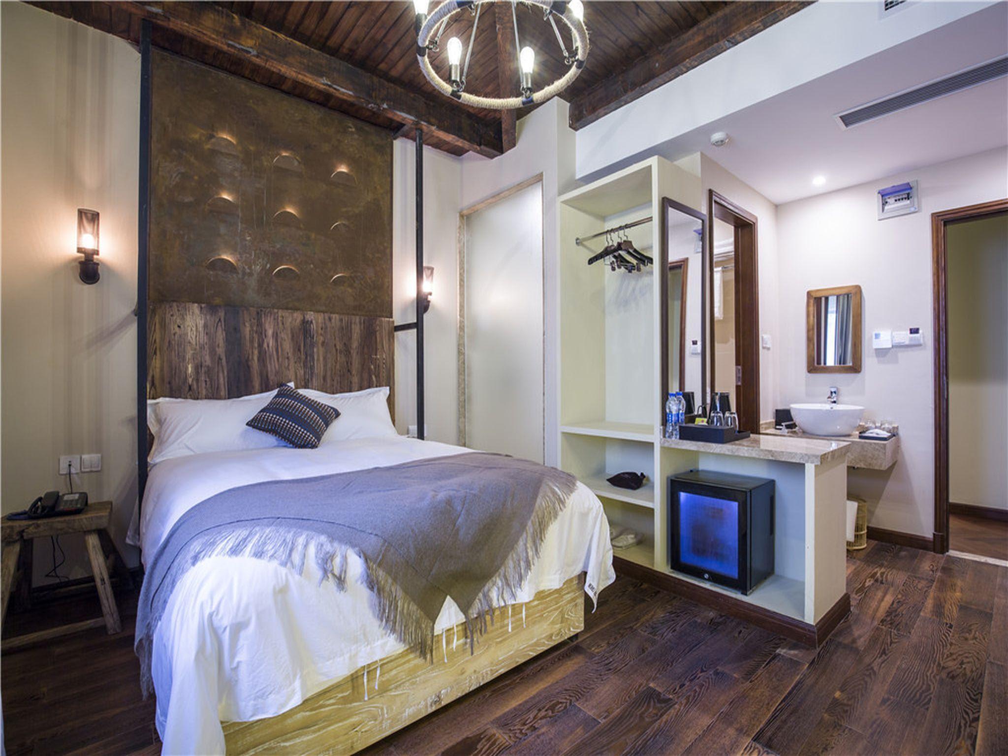 hotel near Shanghai Shanghai Soho Hotel