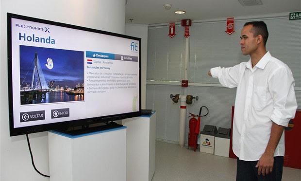 Sistema usa o Kinect, fazendo com que o acessório identifique deficientes físicos que perderam parte dos membros (Foto: Divulgação/FIT)