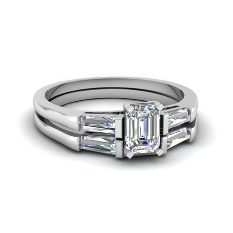Baguette And Emerald Cut Diamond Wedding Ring Set In 950