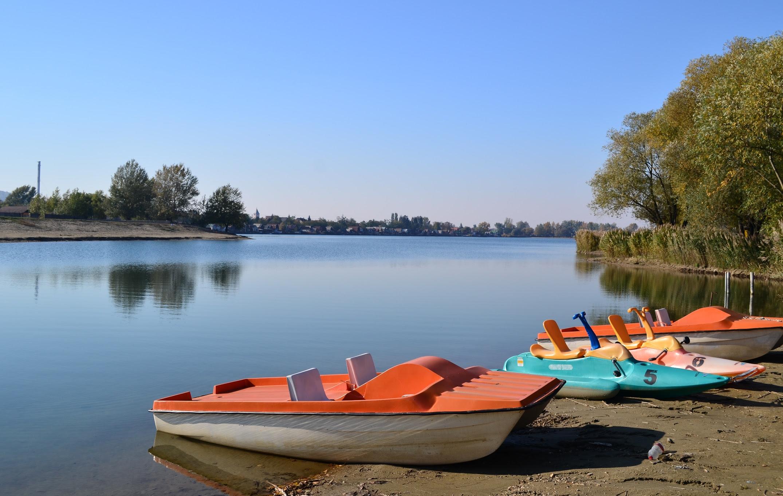 Palatinusz-tó, öböl ősszel.JPG