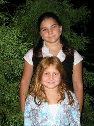 girls 1st day of school 2006