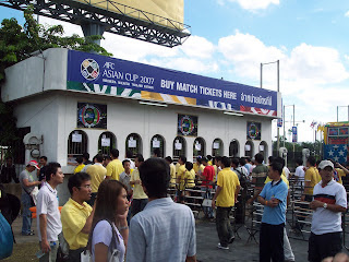 Fans queue for tickets