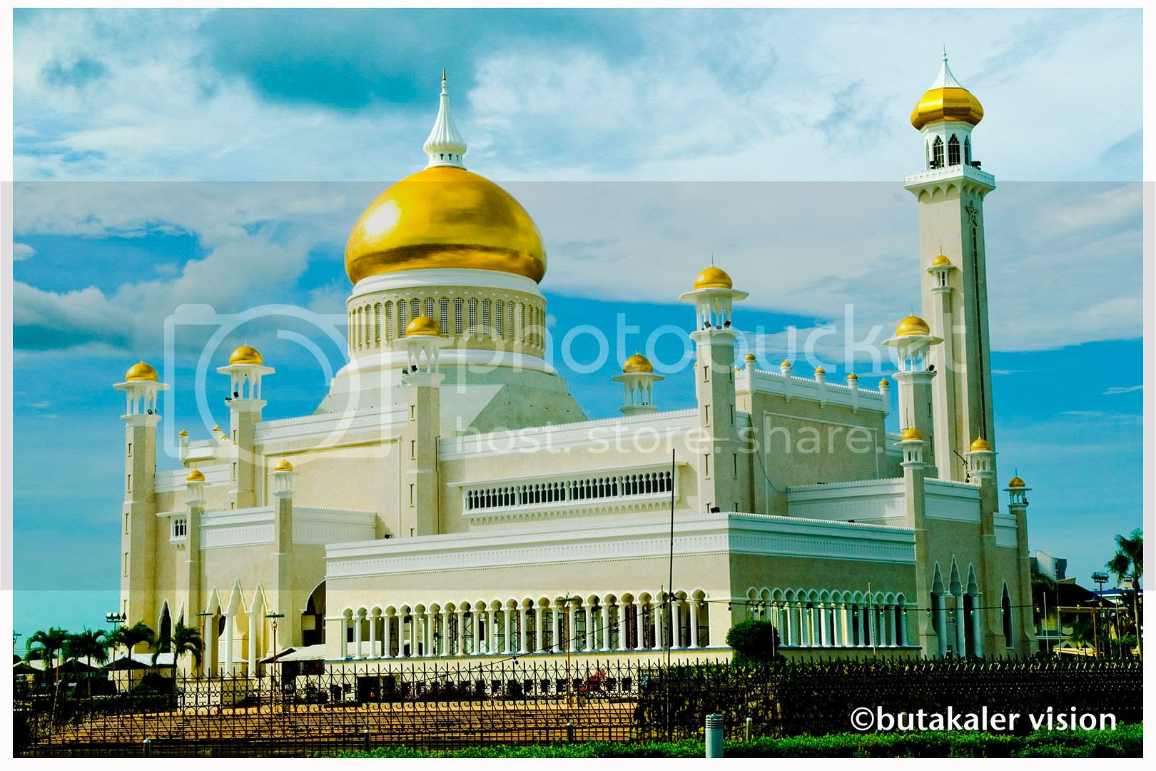 Masjid Sultan Omar Ali Saifuddin Pictures, Images and Photos