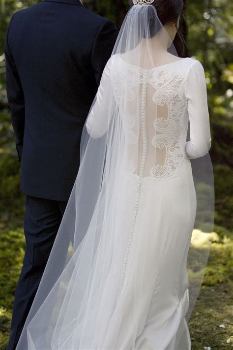 Twilight Breaking Dawn Part 1 Wedding Dress Images & Facts