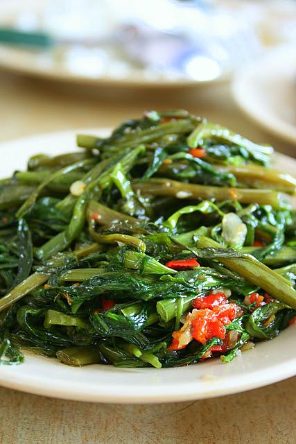 Fried kangkong belachan