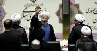 Presidente iraní llega al Vaticano para audiencia con el Papa