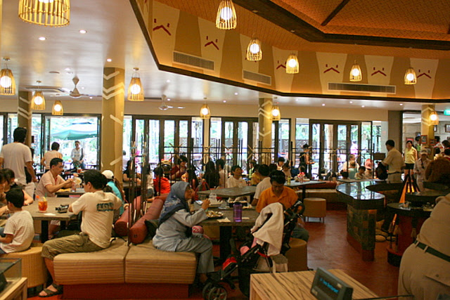 The air-conditioned section of Ah Meng Restaurant is packed