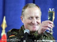 Komandanti i KFOR-it, Erhahrd Bühler