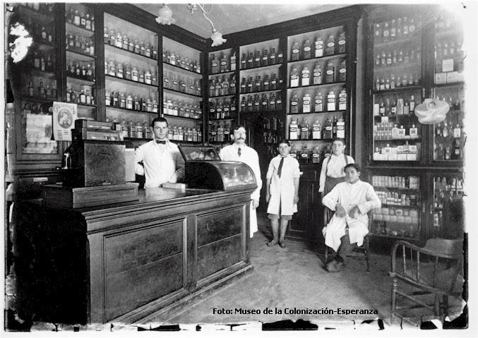 Resultado de imagen de farmacia 1900