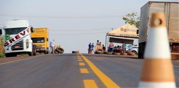 A BR-158 em Vila Rica e Confresa foi a primeira a ser fechada em Mato Grosso pelos caminhoneiros