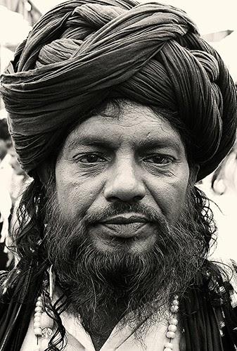 Dam Madar Beda Par ... by firoze shakir photographerno1