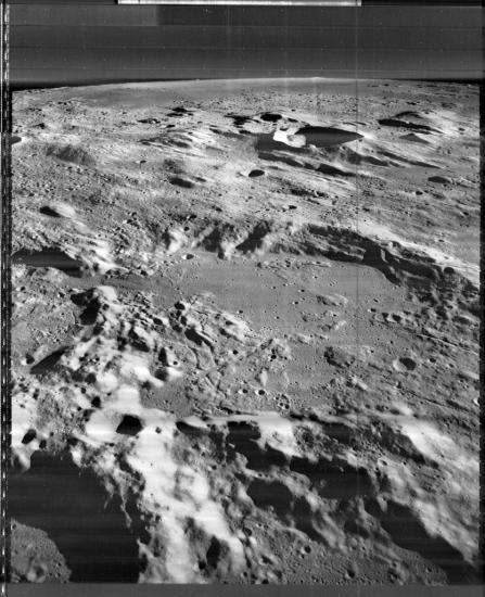lune-3085-med.jpg