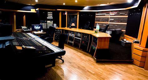 luxury recording studio   neve console recording