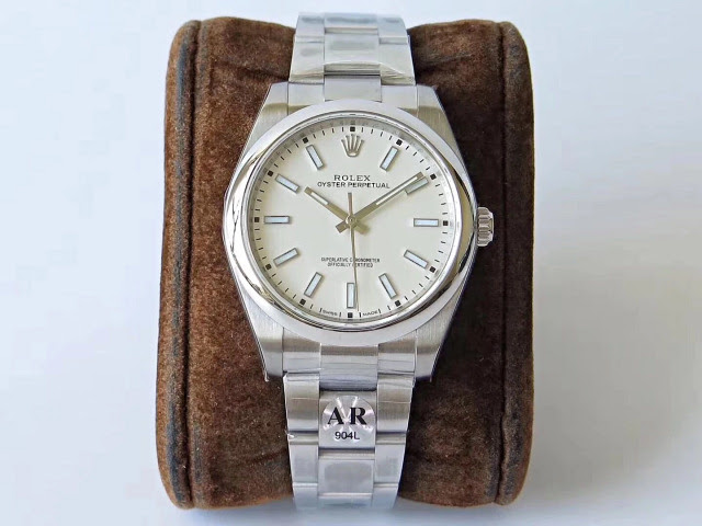 Rolex Oyster Perpetual 114300 White
